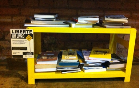 BookCrossing-Sofa-Cafe1