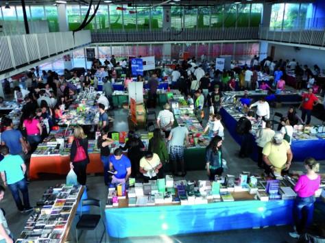 feira-do-livro-ccj-2015-1024x768