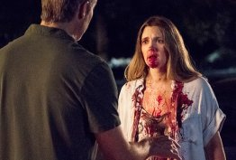 drew-barrymore-plays-zombie-on-netflix-s-santa-clarita-diet